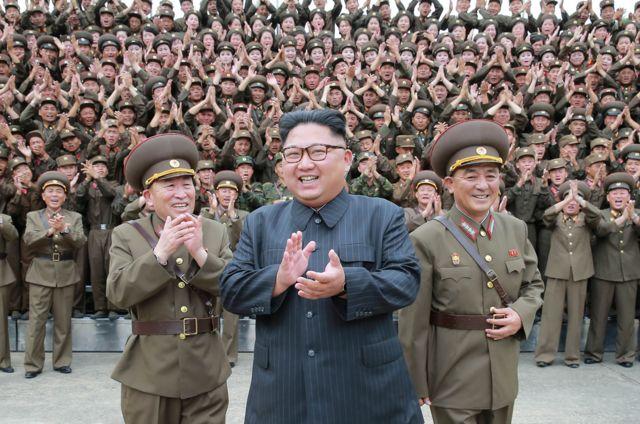 Ким Чен Ын инспектирует стратегические силы в 2017 году