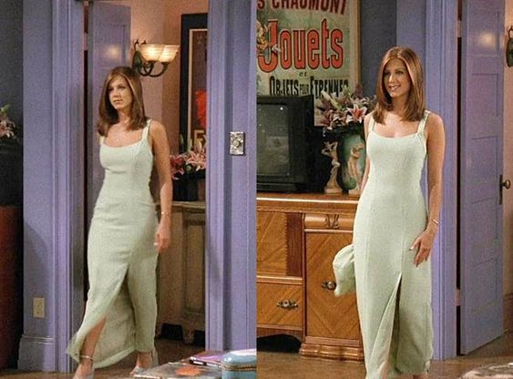 רייצ'ל לובשת אאוטפיט שמלה בסדרה חברים בנטפליקס
