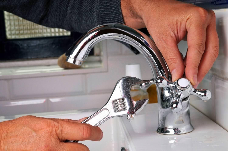 thay vòi nước lavabo giá rẻ có mặt nhanh chóng