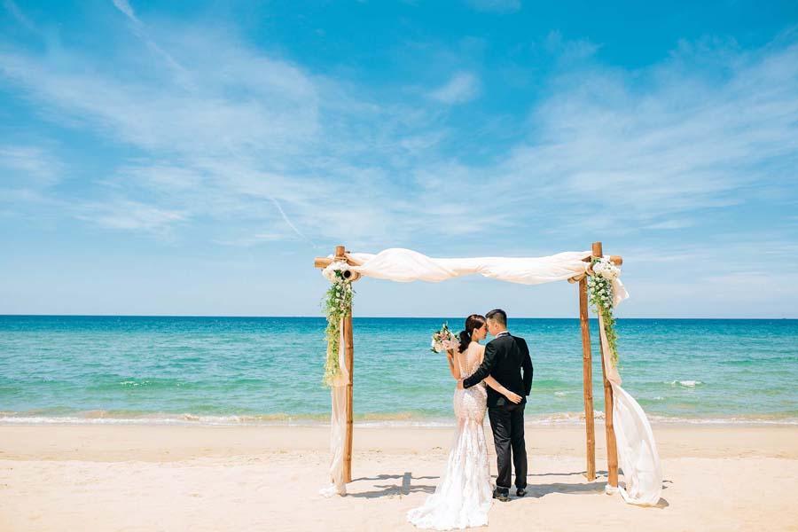 chụp ảnh cưới tại bãi Vàn Chảy
