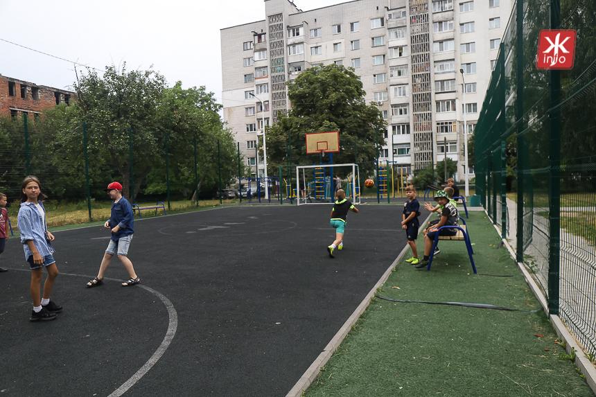 PYoAjf9sKdIZ9fQD44o7W0mXEFZ60ujwo2i35oEngARkl6vvZq7BGiMyo0BnqDmSQUlvzCl8Q0TGJaTPij1xsaYklkhLPHhLIV80JhqttxmMCCDHSam T2jEq0bvnCgrFvC8xMi7 - Шість спортивних майданчиків у Житомирі, які реконструювали за кошти державної субвенції кілька років тому. Фоторепортаж