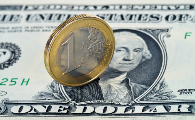 InstaForex Analytics: Dollar gives way to the euro