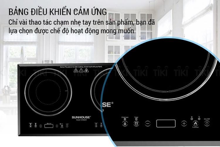 Bảng điều khiển cảm ứng hiển thị thao tác trên mặt bếp