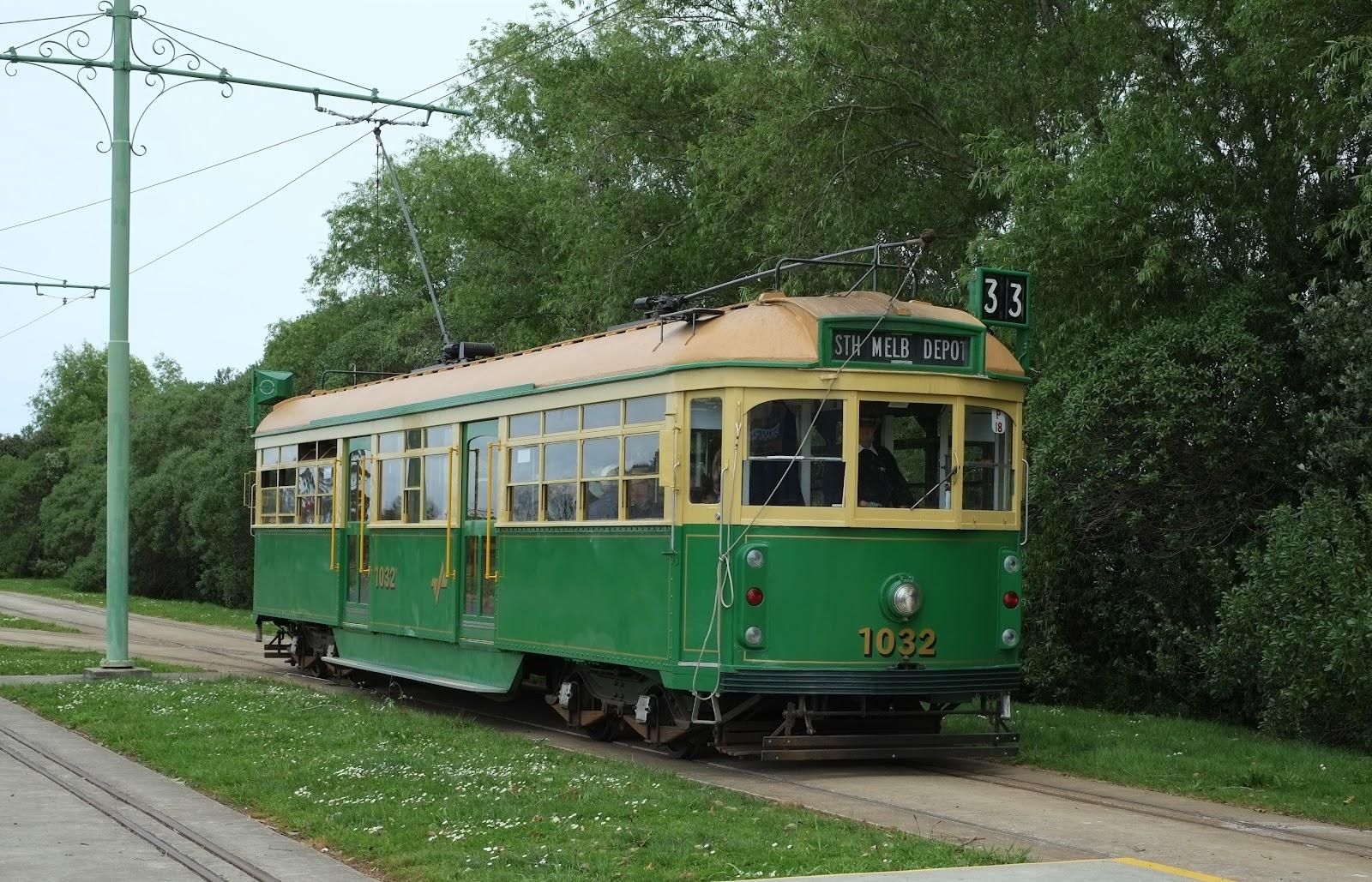 File:Tram between MOTAT sites. ...