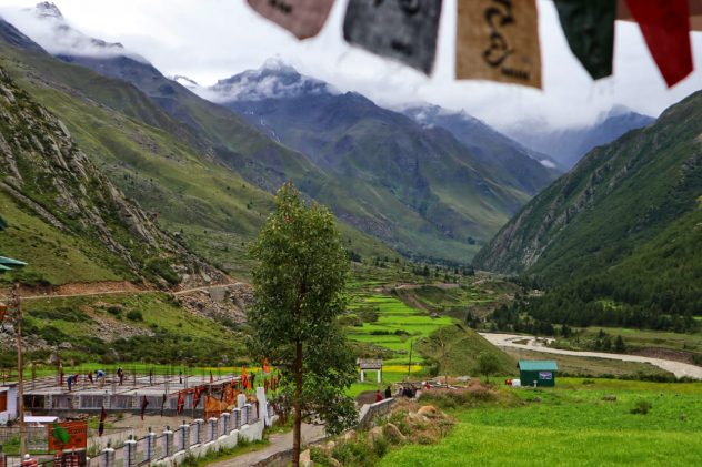 Zostel Chitkul Booking Cost & How to Reach?