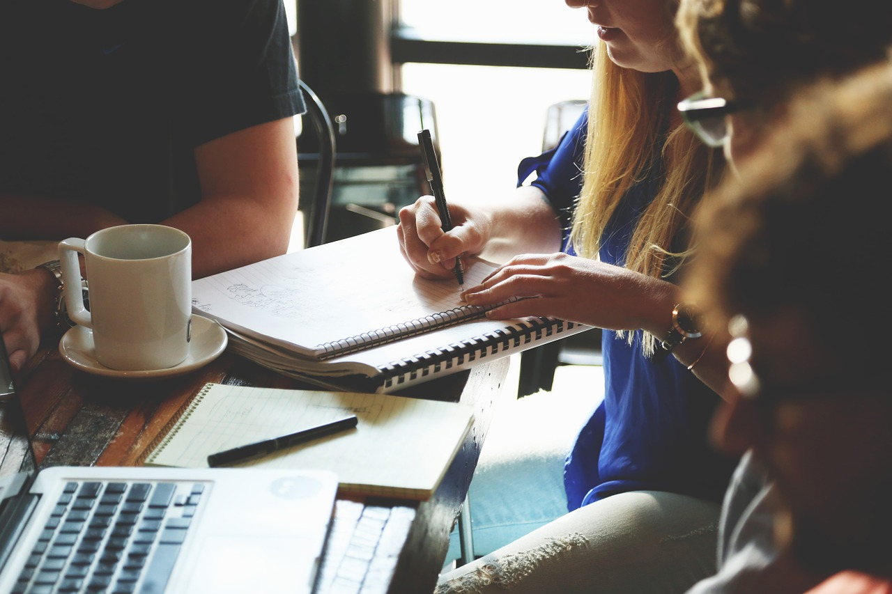 startup-meeting-brainstorming generating business success ideas tips