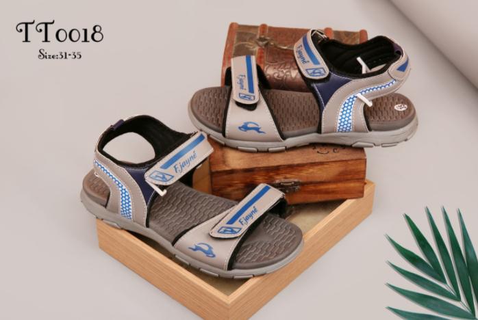 Chọn xưởng sỉ giày dép hiện nay trên thị trường