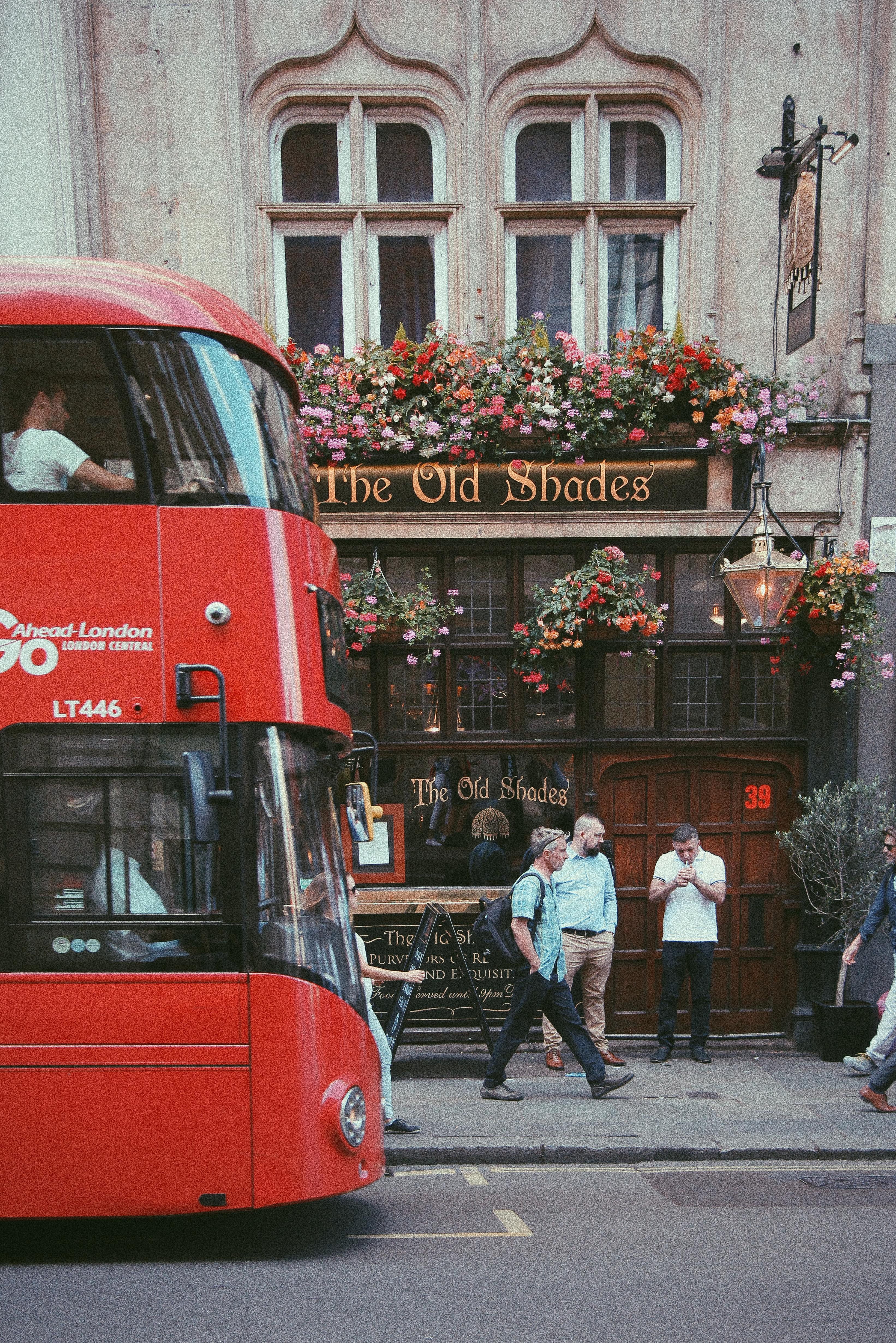 Londra, the old shades pub