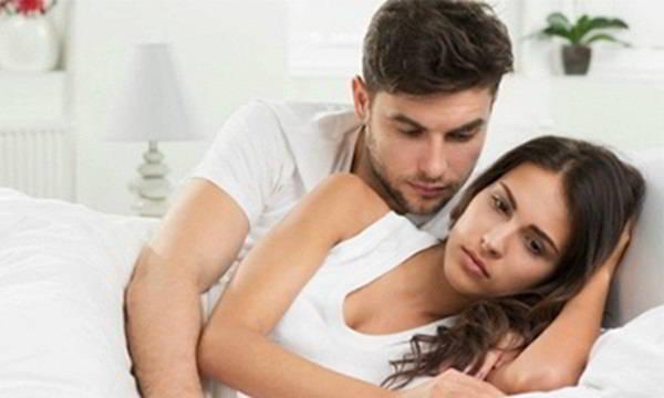 Vợ tự nhiên lạnh nhạt trong chuyện chăn gối và không còn cảm thấy hứng thư mỗi khi gần gũi chồng.