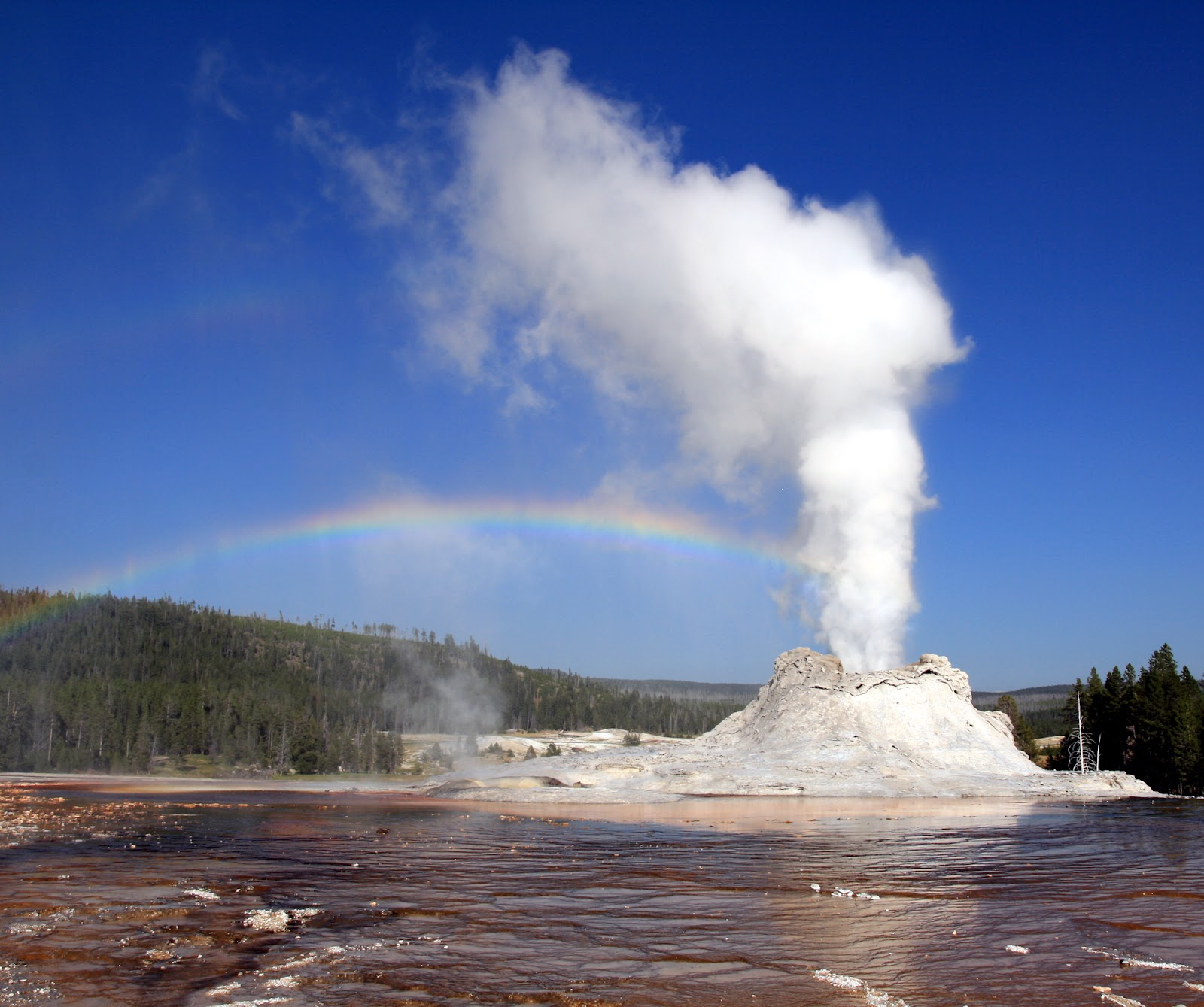 Geyser of water and steam ...