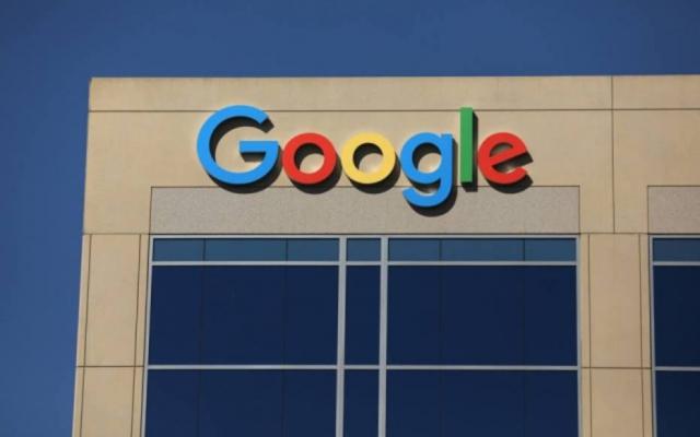 Quando a pandemia gerou uma enorme demanda por compras online, o Google eliminou as taxas, permitindo que os varejistas listassem produtos de graça