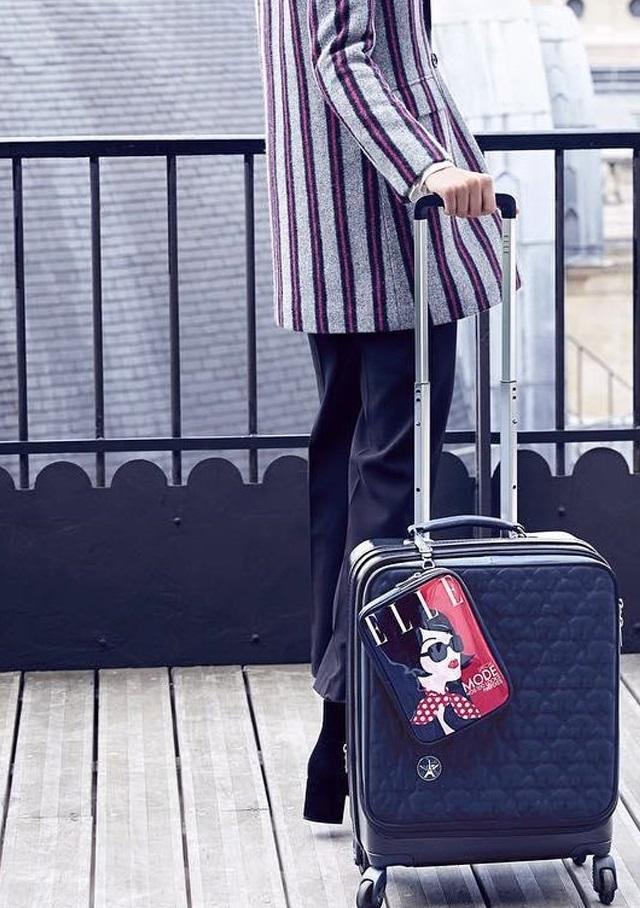 Thiết kế hiện đại và tiện ích của vali Elle.