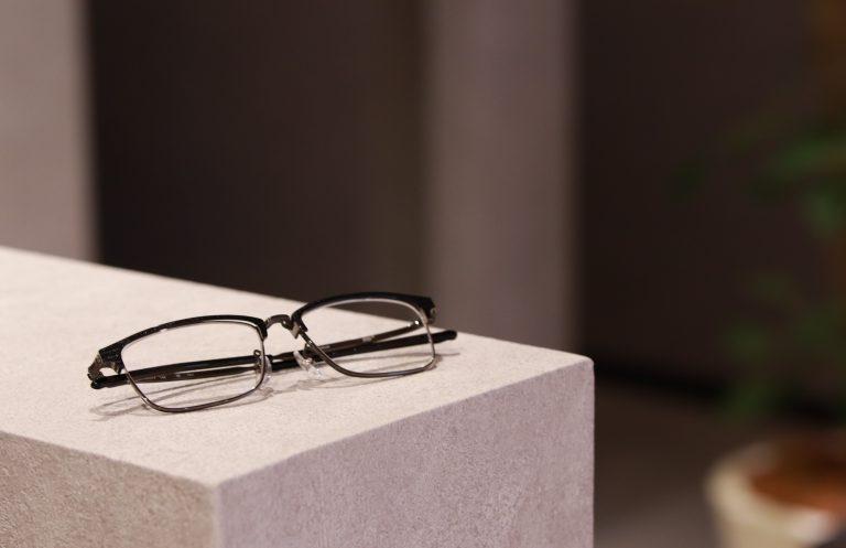 フォーナインズのメガネとは?