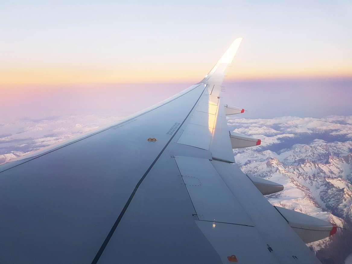 Dicas de viagem para não passar apuros- Crie sua própria TV de avião