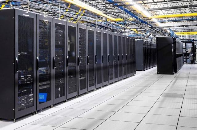 Dịch vụ cho thuê máy chủ vật lý giúp khách hàng lưu trữ và xử lý dữ liệu dễ dàng