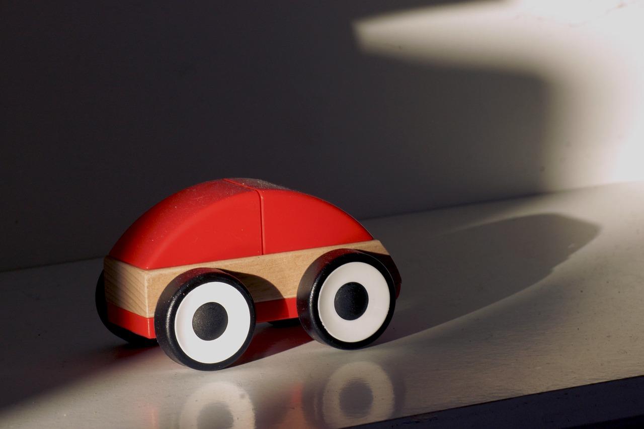 wooden-car-357307_1280.jpg