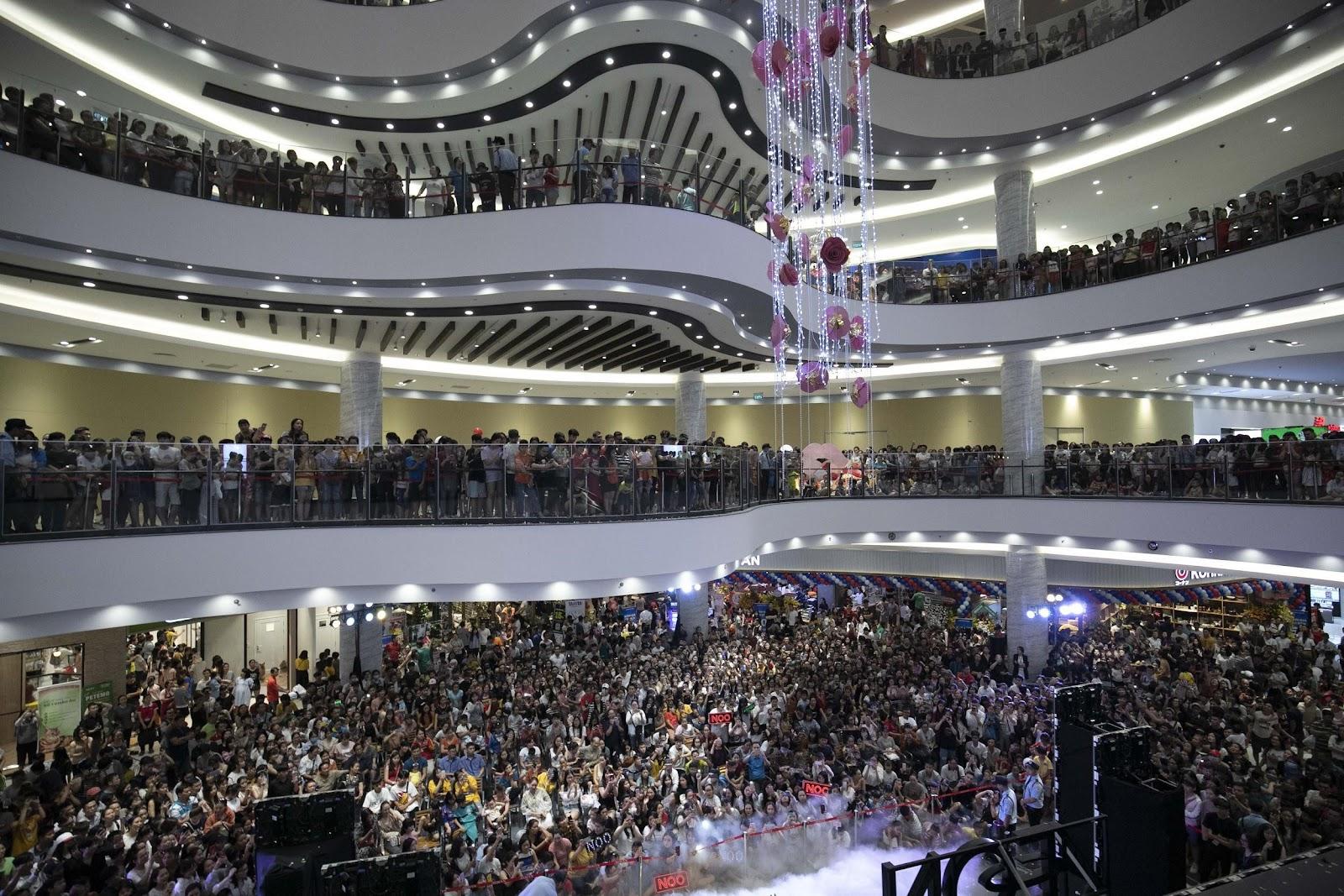 Ngày 25/4 vừa qua, AEON MALL Tân Phú Celadon đã tổ chức buổi khánh thành khu vực mới và nhận được sự quan tâm của đông đảo khách hàng.