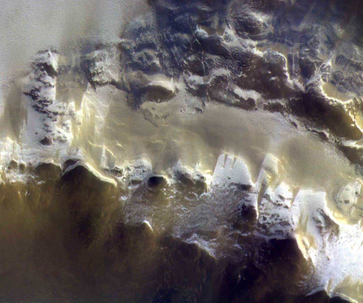 CaSSIS Camera Takes Incredible Photo Of Mars