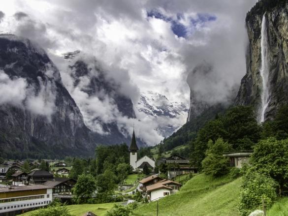 http://sales.jungfrauregion.ch/cmsfiles/album/lauterbrunnen_startseite_1.jpg