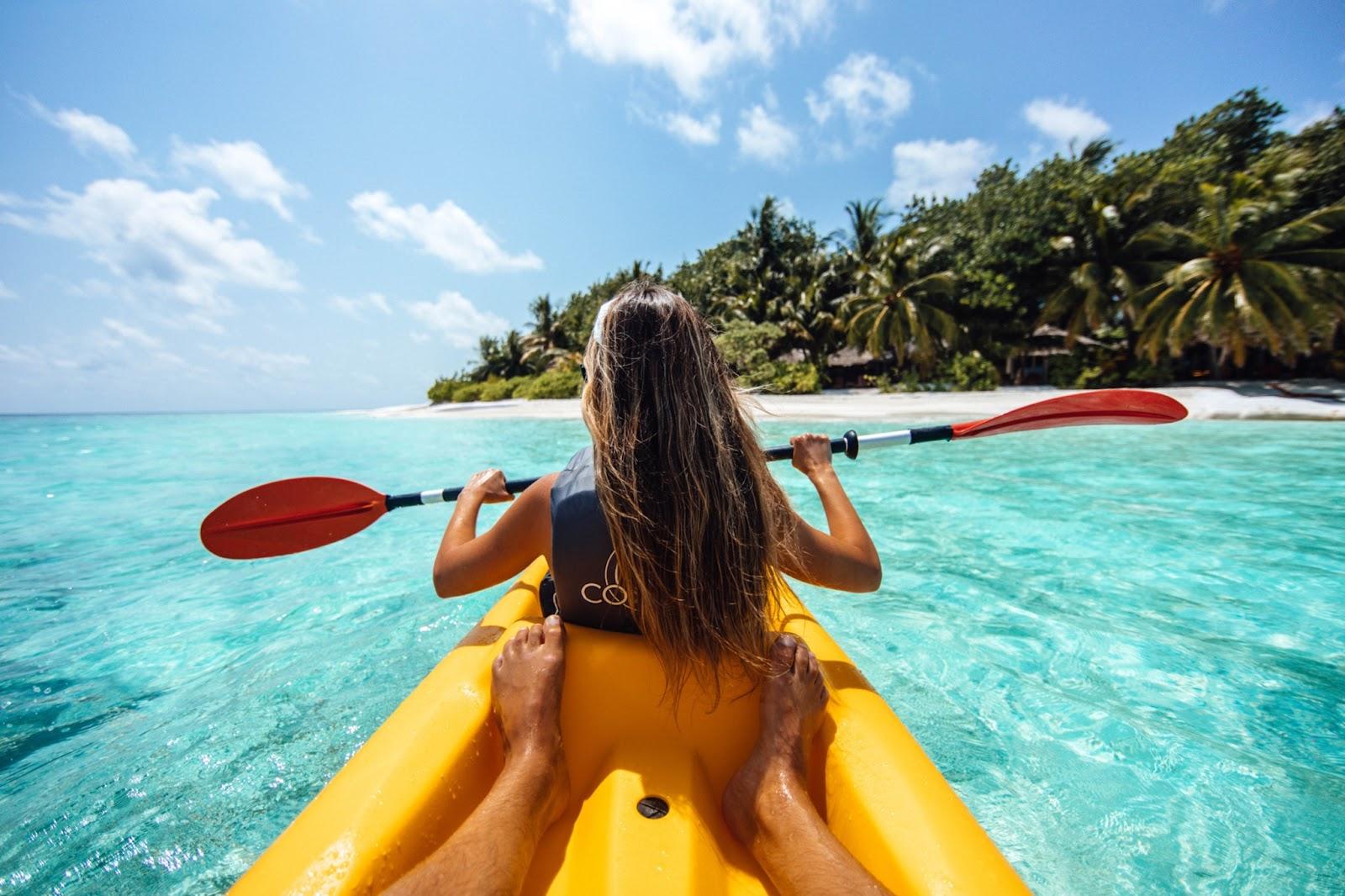kayaking newly-wed date night idea