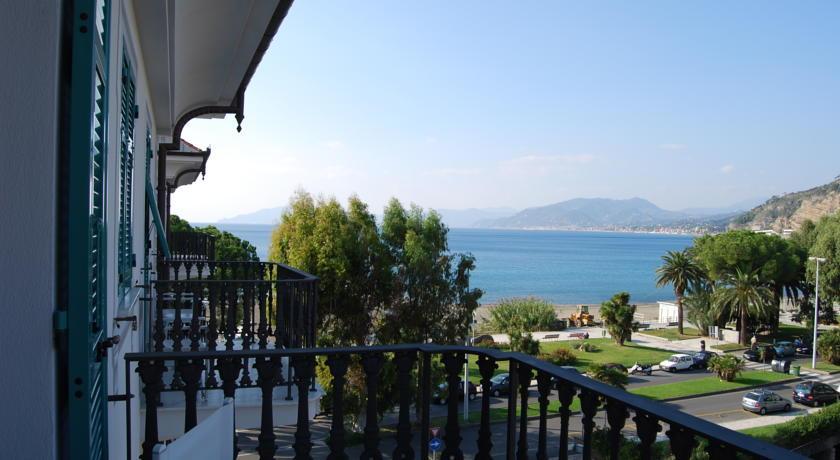 http://q-ak.bstatic.com/images/hotel/840x460/829/8297078.jpg