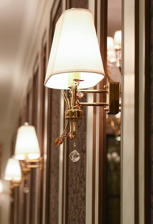 Ballroom lộng lẫy nguy nga tại đây được ví như cung điện Versaille