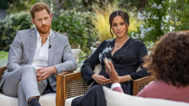 Принц Гарри и Меган Маркл во время интервью Опре Уинфри