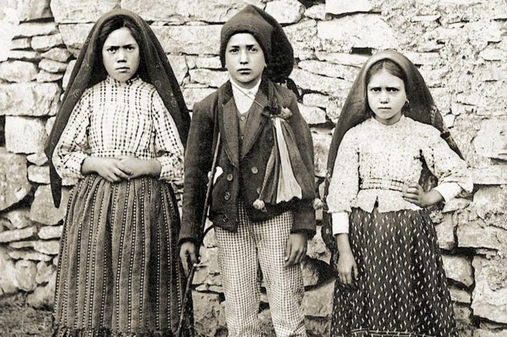 Trước chuyến tông du vào tháng Năm, Đức Phanxico công nhận phép lạ của các Trẻ Fatima