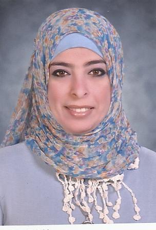 صورة تحتوي على ثياب, وشاح, شخص, غطاء الرأس  تم إنشاء الوصف تلقائياً