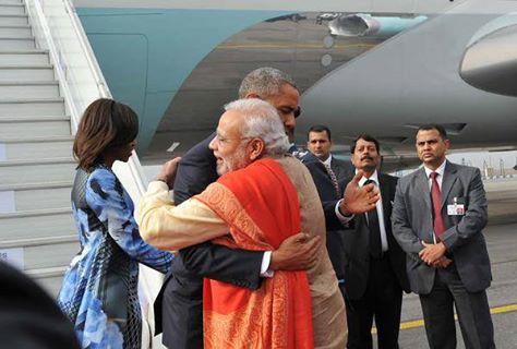 OBAMA IN INDIA:मोदी ने गर्मजोशी से ओबामा का स्वागत किया.लेकिन अमरीका में कैसी होती है सुरक्षा? http://bbc.in/1B78k08