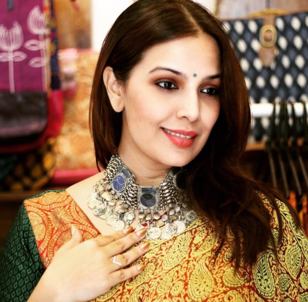shilpa tulaskar in beutiful saree