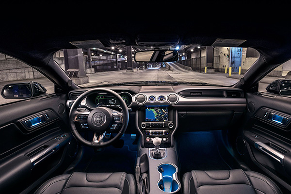cabin-of-the-2019-Mustang
