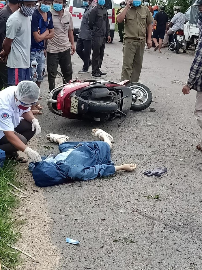 Quảng Nam: Một người phụ nữ tử vong vì đống rác bên đường phát nổ