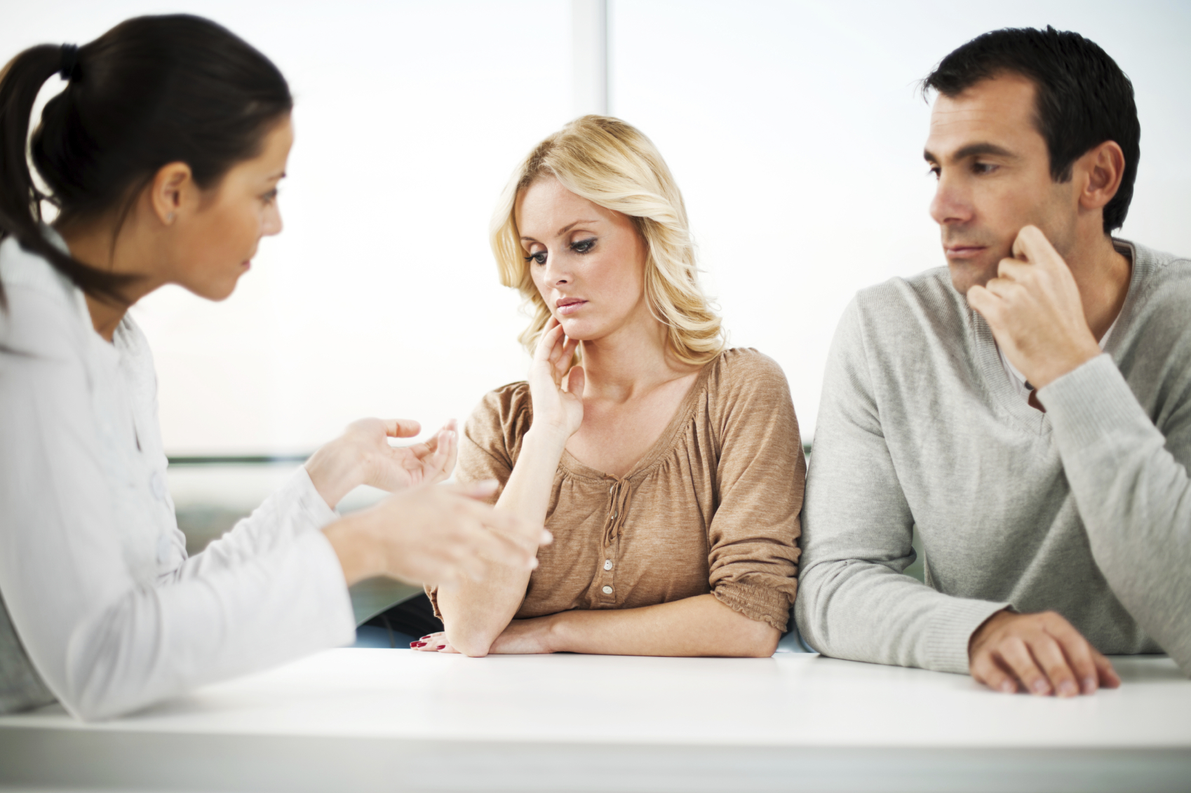 Супружеская пара у психолога