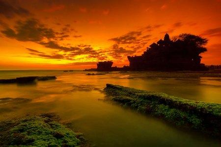 Mystic-Bali-Sunset-over-Tanah-Lot.jpg