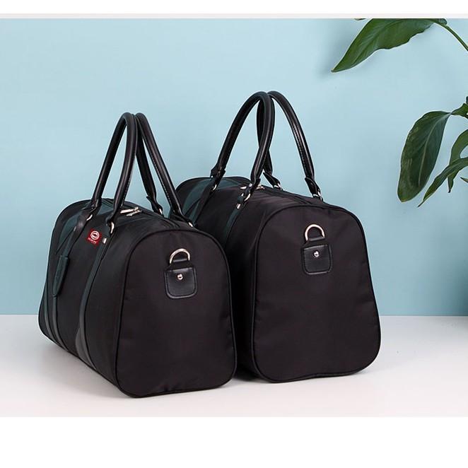 Chúng ta nên sở hữu một chiếc túi du lịch