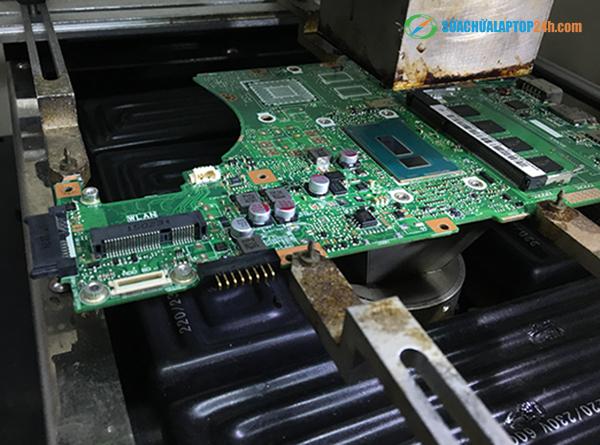 thay the cpu dan tren mainboard laptop 2