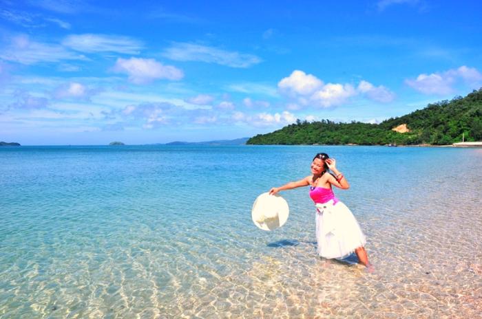 Đi du lịch cô tô theo tour giúp bạn tiết kiệm chi phí hơn so với đi tự túc