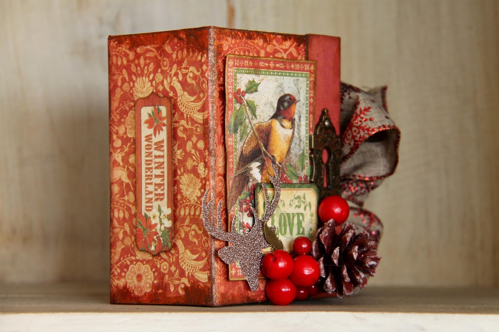 Winter Wonderland Book Box by Marina Blaukitchen Product by Graphic 45 photo 1.jpg