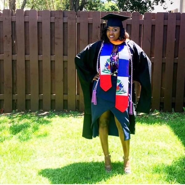 9 Ways for 2018 Graduates to Spruce Up Your Graduation Outfit | Her
