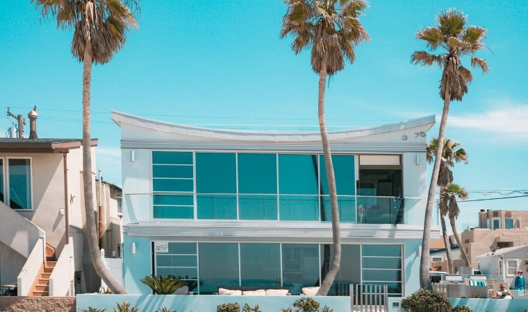 San Diego real estate includes beautiful modern homes