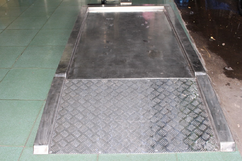 Sàn inox chống trượt