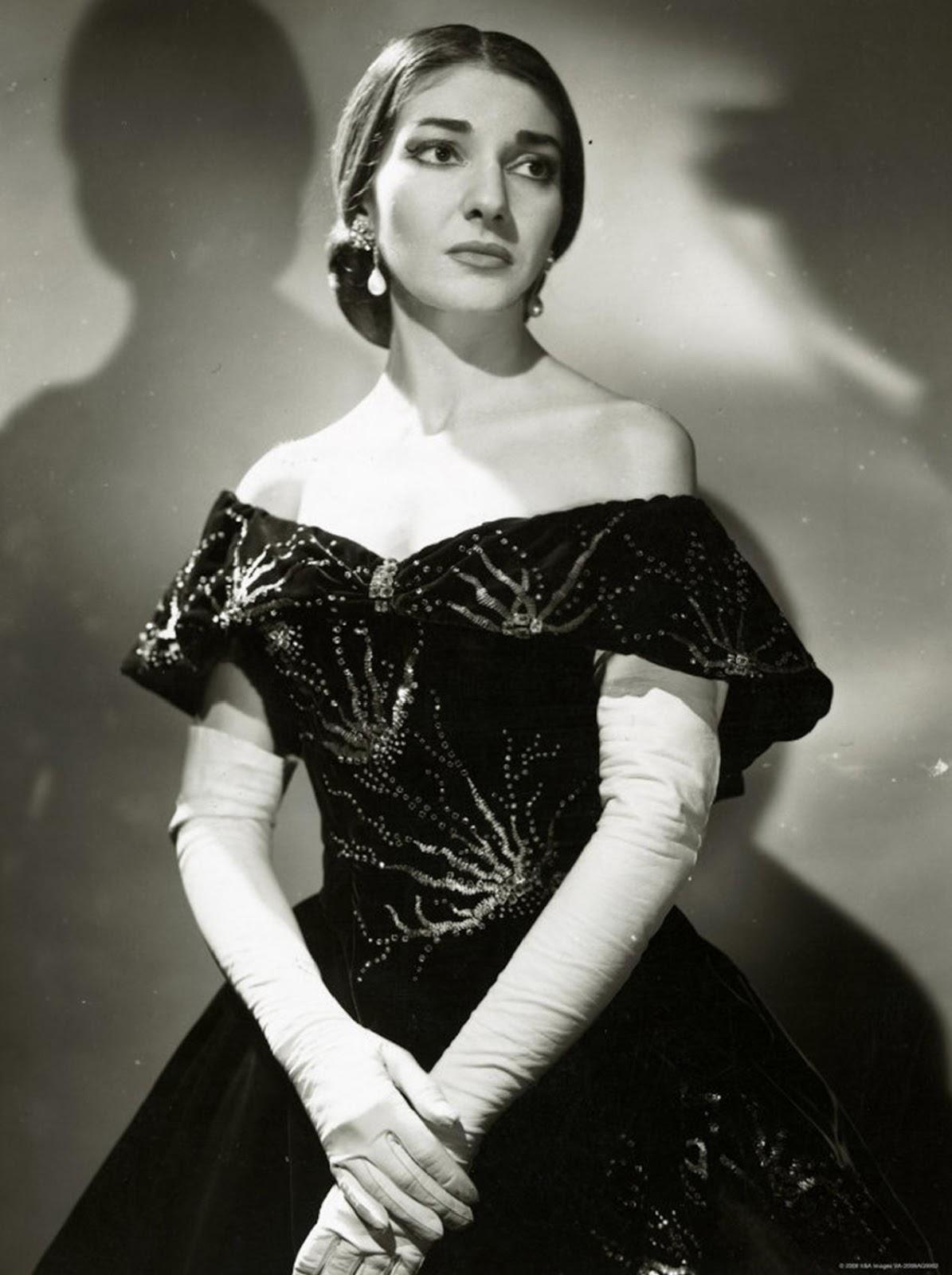 http://upload.wikimedia.org/wikipedia/commons/1/10/Maria_Callas_%28La_Traviata%29_2.JPG