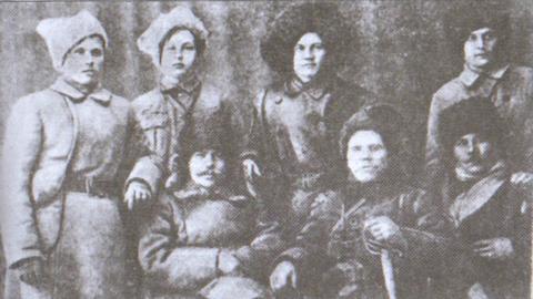 Штаб Олександрійської повстанської повітової дивізії. Кость Пестушко ймовірно крайній праворуч