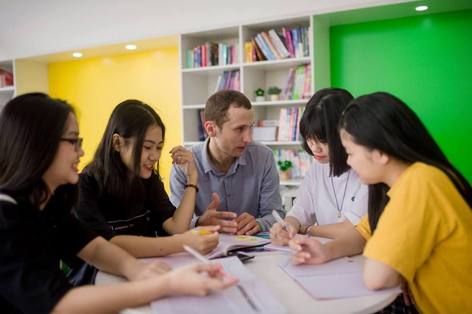 Cảm hứng học tiếng Anh từ phong cách Châu Âu của Universal - Ảnh 8