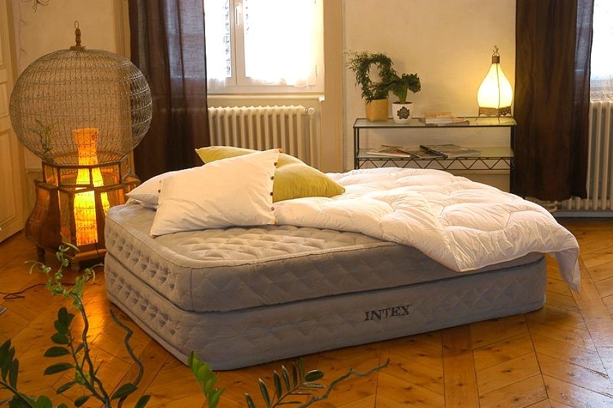 Как выбрать подходящую надувную мебель для сна?