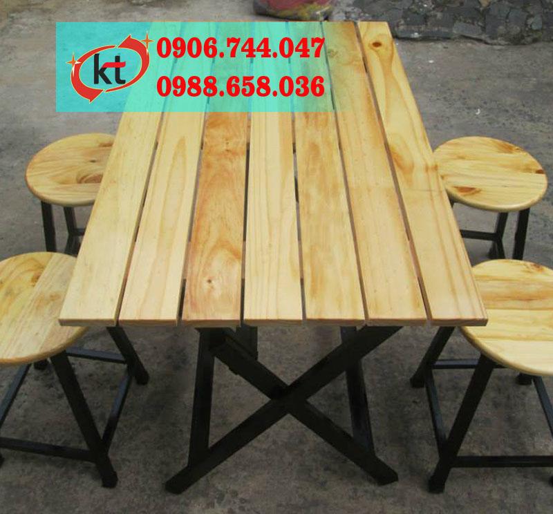 Bàn ghế gỗ trong quán nhậu KT06.jpg