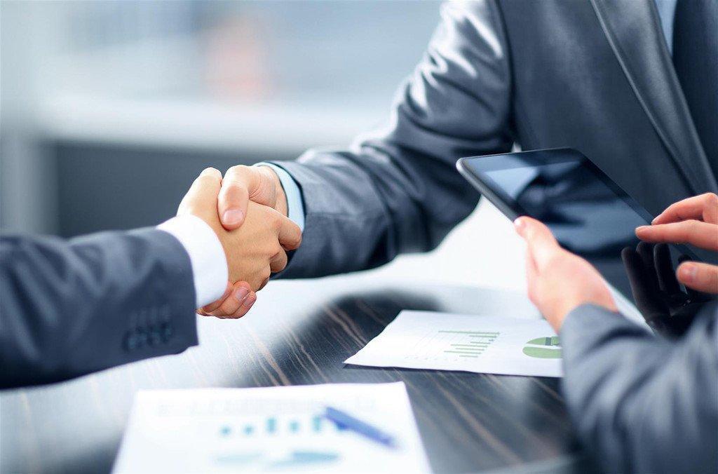 Dịch vụ xin giấy phép kinh doanh hiện nay có rất nhiều giúp cho những người muốn thành lập doanh nghiệp mà bận rộn công việc không có thời gian. Với những dịch vụ này bạn sẽ được hỗ trợ đăng ký giấy phép với giá rẻ và uy tín nhất. Chúng tôi sẽ hướng dẫn cho bạn cách để sử dụng dịch vụ này.