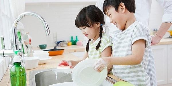 Bật mí kiến thức làm cha mẹ giúp con tự lập từ nhỏ