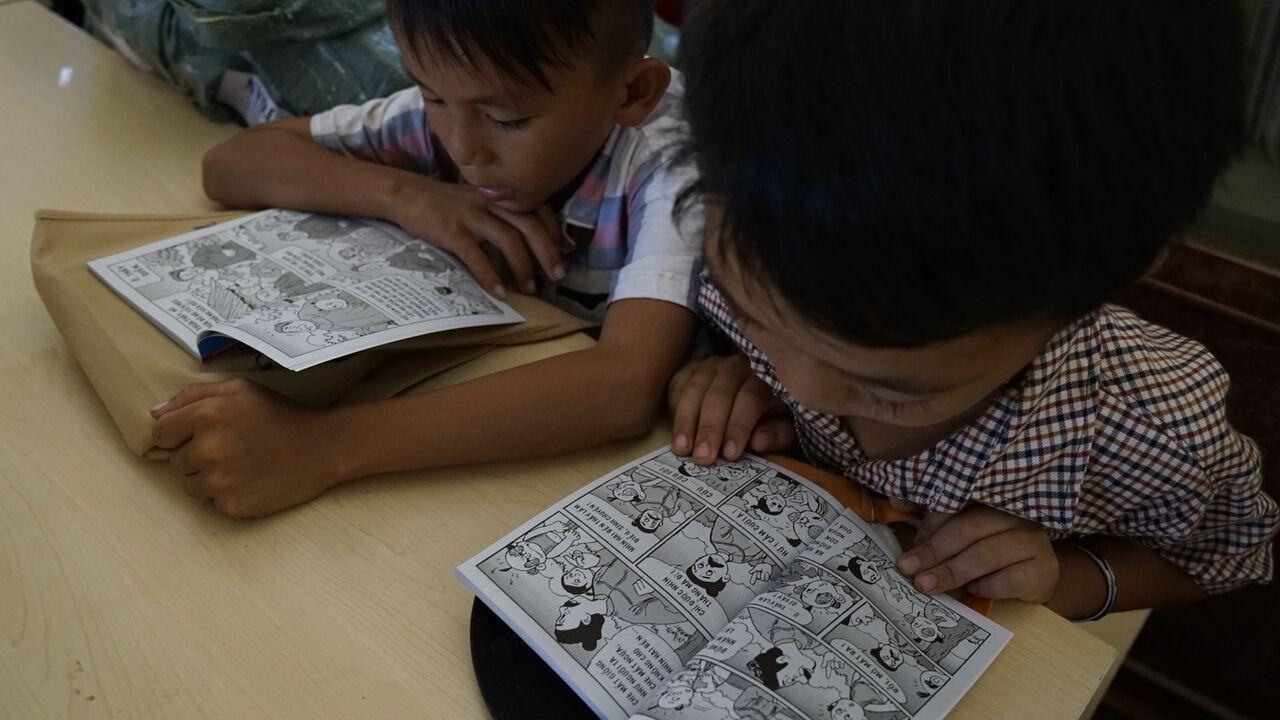 trường tv đọc sách.jpg